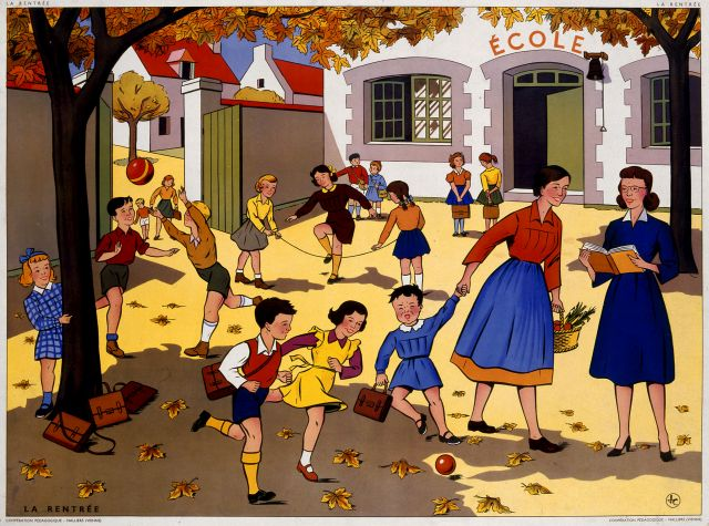 Dans la cour d'une école
