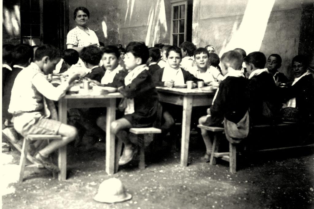 1935 Cantine garçons